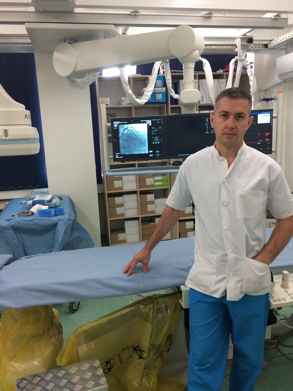 Dr. Bogdan Duţu