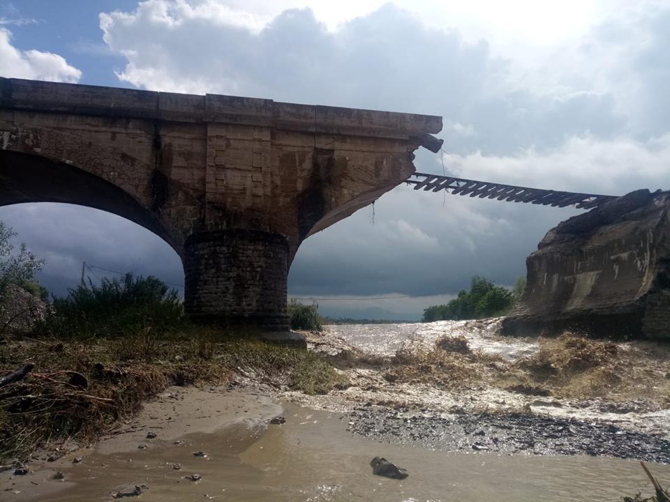 pod de cale ferată s-a prăbușit
