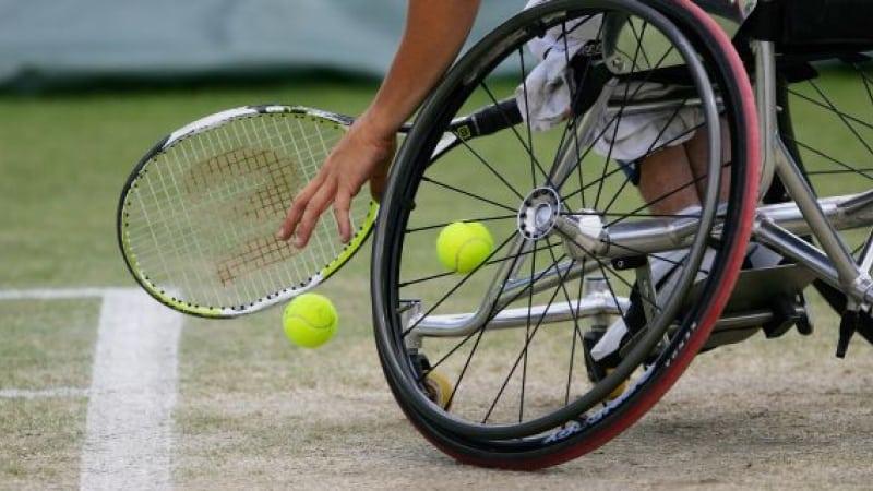 tenis scaun rulant