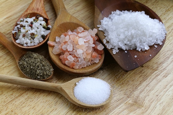 cata sare putem consuma