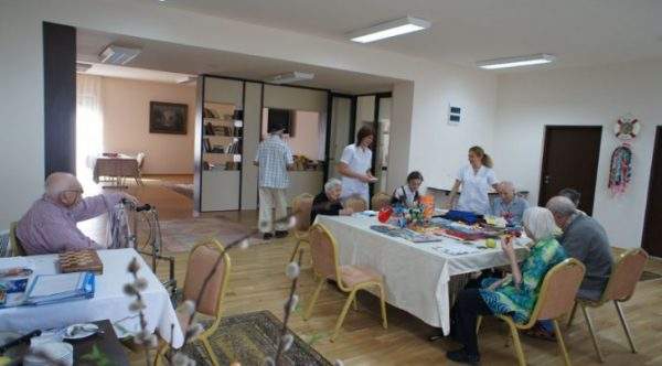 Angajați pozitivi Covid la un cămin de vârstnici la Sântioana, cum a putut ajunge virusul în interior