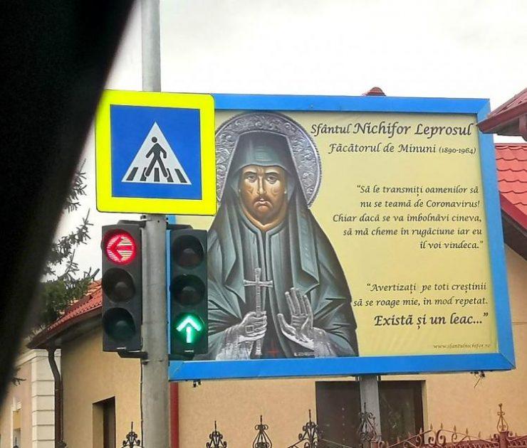 Panou HALUCINANT afișat la Florești: Să le transmiteți oamenilor să nu se teamă de coronavirus!