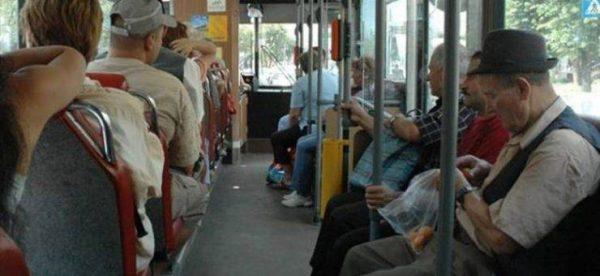 Cluj: Pensionarii cu mai mult de 2.400 de lei pensie nu mai pot circula gratuit pe transportul în comun
