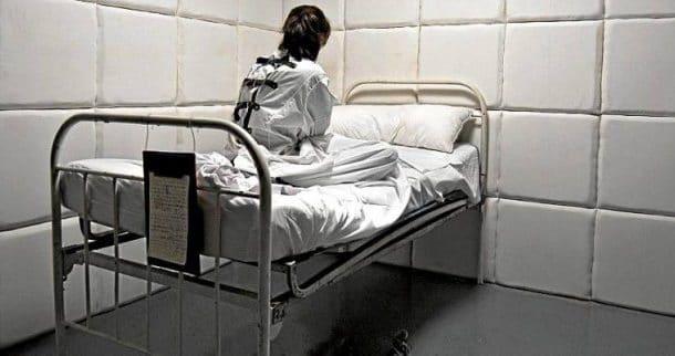 OPINIE: Mai rea decât coronavirusul va fi reacția oamenilor vulnerabili psihic
