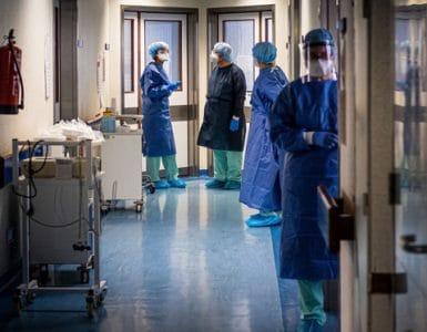 Peste 100 de pacienți confirmați cu COVID-19 au ieșit din spital la cerere, în ultimele 24 de ore