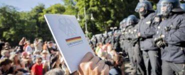 Protest masiv la Berlin față de restricțiile impuse pe fondul pandemiei de COVID-19 VIDEO