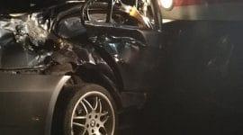 ULTIMA ORĂ! Autoturism lovit de tren în Jucu FOTO