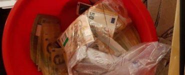 Șeful de la Permise Suceva bănuit că încasa 20.000 euro pe zi. Banii erau ascunși în ligheane și găleți