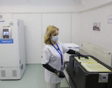 Cum arată centrul de stocare a vaccinurilor antiCOVID-19 de la Cantacuzino (Galerie foto)