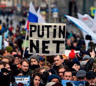 """Dmitri Medvedev spune că Rusia """"este pregătită să se deconecteze de la internetul global"""""""