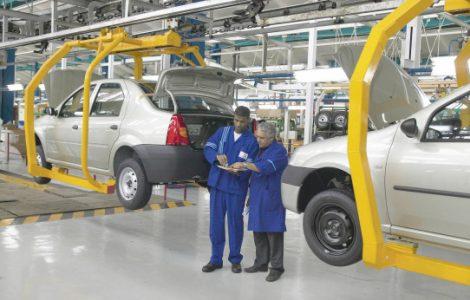 Criza semiconductorilor auto opreste productia de masini de la uzina Dacia Mioveni