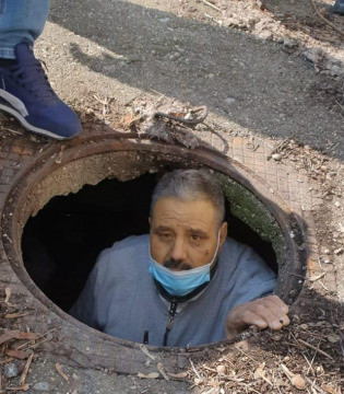 Deținutul condamnat pentru omor care a evadat din spital a fost găsit într-un canal