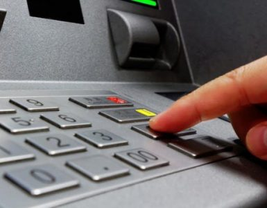 O noră din Cluj i-a furat cardul soacrei şi i-a tocat economiile, aproape 40.000 de euro