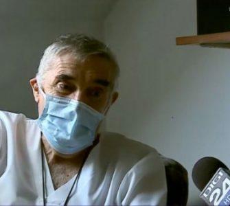 Povestea impresionantă a medicului clujean care și-a tratat pacienții din scaunul cu rotile