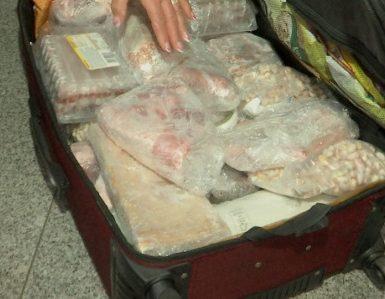 Cu mielul in bagaj pe aeroportul din Cluj FOTO